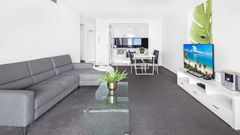 Circle on Cavill apartment