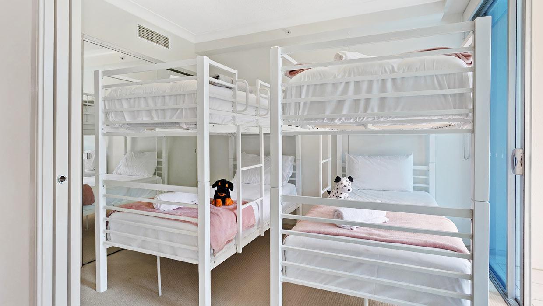 Chevron Renaissance level 6 garden views bunk beds in second bedroom