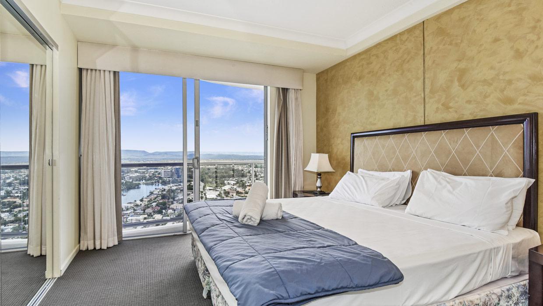 Chevron Renaissance master bedroom