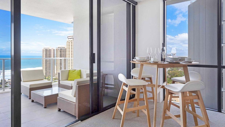 Circle on Cavill Holiday Holdiay Premium Apartment