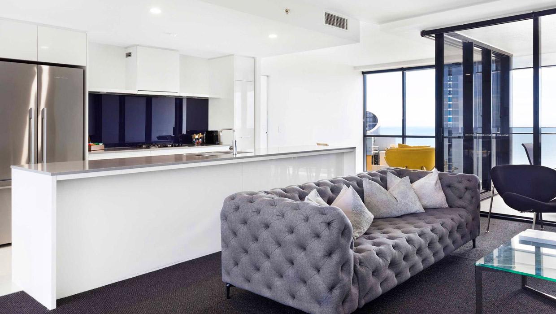 Holiday Holiday Circle on Cavill Luxury Apartment