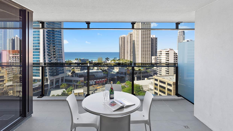 Circle on Cavill Level 13 Ocean Views Balcony