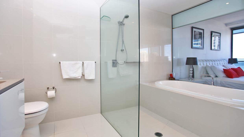 Circle on Cavill Level 19 Ocean Views Bathroom