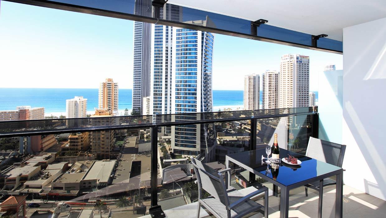 Circle on Cavill Level 19 Ocean Views Balcony